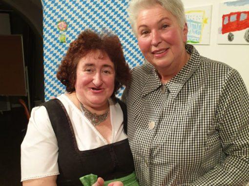 Im Duo mit der bayerischen G`stanzl Queen Renate Maier